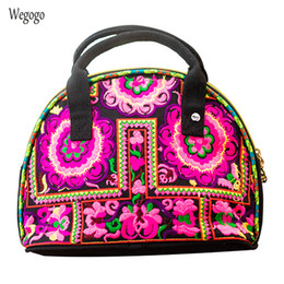 $enCountryForm.capitalKeyWord NZ - 2019 New National Women Totes Female Fashion Floral Embroidered Handbags Travel Beach Bag Shell-shaped Small Phone Coins Bag