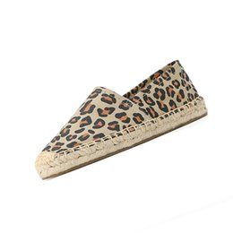 $enCountryForm.capitalKeyWord UK - harajuku large size retro canvas shoes old peking cloth flats espadrilles striped denim leopard print jeans round toe women