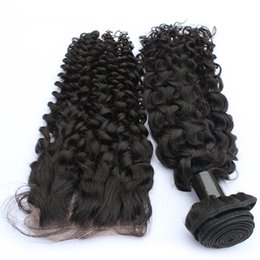 Verwirren Sie freies frei verschüttendes menschliches Haar-Bündel-peruanisches Haar gelocktes Haar im Angebot