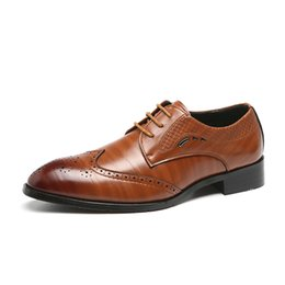 Chinese  Men Fashion Leather Dress Shoes 2019 Luxury Design British Style Business Shoes Men Oxfords Wedding Formal Flats Big Size 37-48 manufacturers