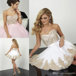 $enCountryForm.capitalKeyWord NZ - Gold Applique Lace Homecoming Dresses Mini short A-line Chiffon Sweetheart Backless Cocktail Party Gowns Simple Cheap Prom Dress
