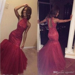Robe soiRee cRystal online shopping - 2019 New Burgundy Beaded Halter Mermaid Prom Dresses Vestidos de Fiesta Formal Party Gown Robe De Soiree Keyhole Back Evening Gowns AW352