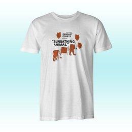 Die weißen T-Shirts der Parkett-Gerichte, die Tier-S-3XL Männer ein Sonnenbad nehmen im Angebot