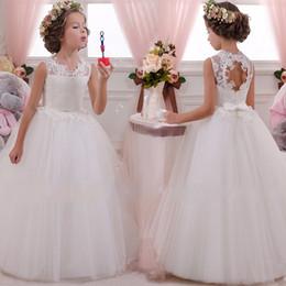 Großhandel 2019 neue Kleid der Kinder zurück lange Kleid höhlen Kinder Blumenkinder Brautkleid Mädchen Blumenspitzen langer Rock
