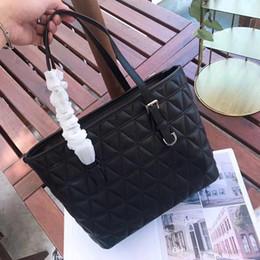 $enCountryForm.capitalKeyWord Australia - Classical style large capacity women leather handbag luxury designer shoulder bag ladies casual totes leather messenger bags free shipping