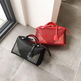 Wholesale Boxes Packaging Australia - Women's diagonal handbag Travel bag is very beautiful design is too delicate. fabric hardware Original gift box packaging off-w1894