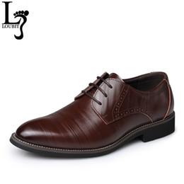 Men Shoes Australia - Men Dress Shoes 2017 Split Leather Men's Fashion Brogue Shoes Lace-Up Pointed Toe Male Business Wedding Formal Shoes
