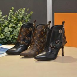 Venta al por mayor de Calzados para mujer de moda Calzado Martin Botas de gama alta Calzado de tacón alto para mujer de diseño Calzado casual de moda (con caja)