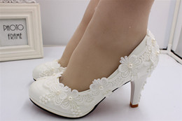 $enCountryForm.capitalKeyWord Australia - New Arrival Cheap Flat Pearls Wedding Shoes For Bride White Floral Appliqued Prom High Heels Lace Plus Size Bridal Shoes BH167