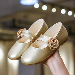 Gold Sandals For Girls Australia - SKHEK White Pink Gold Kids Baby Flower Shoes Children Wedding Party Dress Princess Leather Sandal For Teens Girl Dance Shoes New