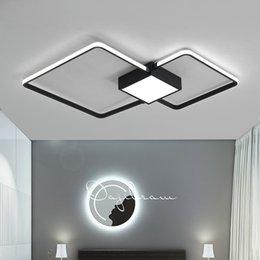 Белый современный светодиодный потолочный светильник Спальня Гостиная свет с дистанционным управлением декор домашнего освещения светильники черный металлический блеск 110-230V на Распродаже