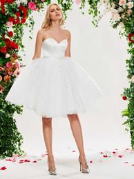 $enCountryForm.capitalKeyWord Australia - Pretty Short 2019 Wedding Dresses Bridal Gowns Cheap Sweetheart Tulle Satin Backless A line Informal Wedding Gowns