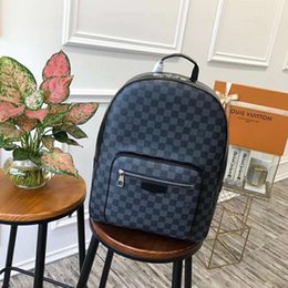 Wholesale Men and women general shoulder bag Comfort Classic multi functional large backpack leather production mountain leisure bag M41530