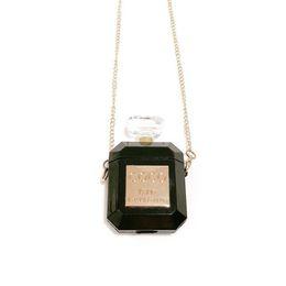 Vente en gros Bouteille de parfum de luxe Housse de protection pour Airpods TPU Silicone Étui souple avec collier Porte-écouteurs Usine