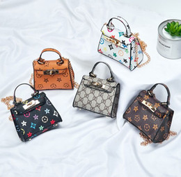 Wholesale Kids De@signer Handbags Fashion Little Girls Mini Princess Purses Cute PU Cross-body Circular Bags Children Christmas Gifts 5 styles supply