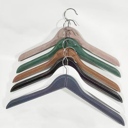 store clothes NZ - Leather hangers wooden hangers for men and women adult hotel leather hanger clothing store leather wooden custom made PU hangers 45cm lenght