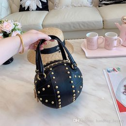 $enCountryForm.capitalKeyWord NZ - 2019 New Designer Handbags High Quality Shoulder Bag Crossbody Bag Round With Studs Leather Material Gg190709-1
