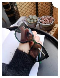 Product Brand Color Australia - most red new explosive products, luxury brands, women's personality drive polarizer, sunglasses multi-color optional, free delivery!