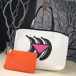 $enCountryForm.capitalKeyWord Canada - Designer handbags ladies handbags shopping bags luxury brands graffiti printed handbags new fashion green bags silk screen design
