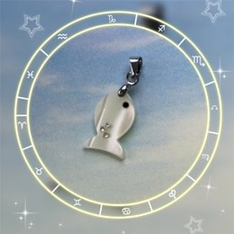 Mop diaMond online shopping - Natural shell seawater MOP three diamond small fish necklace pendant