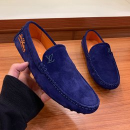 Venta al por mayor de De calidad superior Diseñador de moda de lujo para hombre zapatos de vestir de cuero de gamuza Flat Peas zapatos Cómodos zapatos casuales entrenador zapatillas de deporte Tamaño grande 11