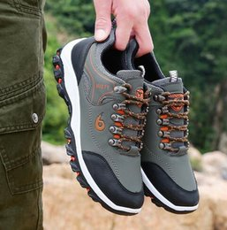 Green Plastic Army Men Canada - Men Leather Outdoor Hiking Sneakers Male Shoes Adult Non-Slip Casual Military Army Shoes Autumn Hard-wearing Footwear