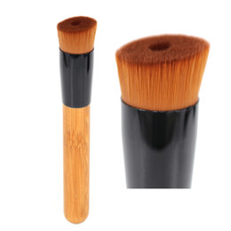 Wholesale Professional Makeup Brush for Liquid Foundation Angled Face Perfecting Buffing Make Up Brush