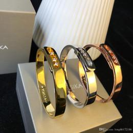 $enCountryForm.capitalKeyWord Australia - Designer Bracelet Move Collection Diamond Bracelet 2019 Luxury Fashion Accessories 18K Gold Celebrity Bracelet Mobile Diamonds Full Package