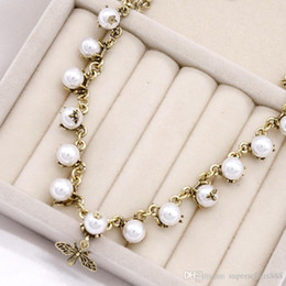 ladies fashion pendant design Australia - Fashion Diamond vintage women necklace lady Design pendant letter short brand Pearl Bee necklaces Party Wedding Luxury Jewelry for Bride