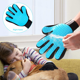 $enCountryForm.capitalKeyWord Australia - Pet Hair Remover Grooming Glove - Gentle Dog Cats Grooming Brush,Deshedding Bathing Massage Mitt Tool with Enhanced Five Finger
