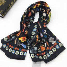 $enCountryForm.capitalKeyWord Australia - New brand style size 130cm -130cm 100% twill material print The butterfly lipstick square scarves pashmina for women