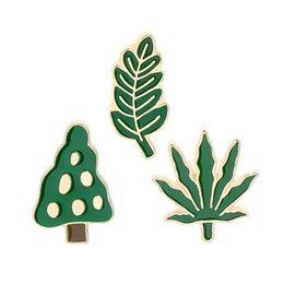 Simpatico cartone animato spilla spilla verde pianta grande albero foglia verde foglia d'acero con vita verde tema spilla pin denim cappotto cappello abito adornme