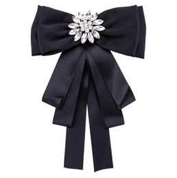 African Chairs Australia - 2019 New White Crystal Buckles Brooches Bar Invitation Ribbon Chair Covers Slider Sashes Bows Buckles free shipping