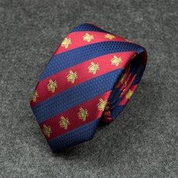Laço masculino novo vermelho e azul personalidade diagonal listras cor combinando padrão de abelha selvagem vestido business casual gravata