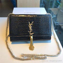 $enCountryForm.capitalKeyWord Australia - Designer Women Handbags Shoulder Bags Classic Genuine Leather Crocodile Skin Designer Luxury Handbags Purses Diagonal Package 23-15-4cm