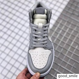 2020 nova Dor blique X AJ 1 sapatos altos com logotipo Homme X Kaws por Kim Jones calçados casuais tênis de basquete em Promoção