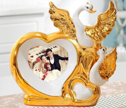 Gold pictures frames online shopping - Swan furnishing picture frame wedding photo ceramic home decoration bedroom creative custom living room flowers Wedding gift