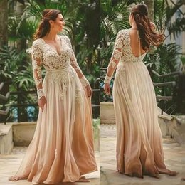 indian chiffon gowns 2020 - Elegant Champagne V Neck Boho Mother Dresses A-Line Floor Length Bridal Gown Indian Style Backless Lace Mother of Brides