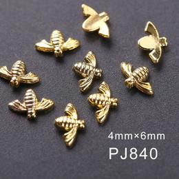 Crystal Stud Metal Australia - Blueness 10Pcs lot Little Bee 3D Nail Crystals Jewelry Design Nail Art Decorations Gold Silver Metal Studs Gel Nail Accessories