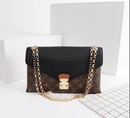 Boy model girl dresses online shopping - 2018 Women s one shoulder bag handbag leather production large capacity design bag fashionable and generous Model No box