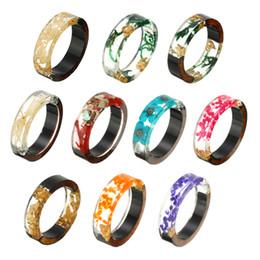 $enCountryForm.capitalKeyWord UK - New Design Handmade Wood Resin Ring Vintage Colorful Dried Flower Epoxy Rings Women Novelty Jewelry Gift