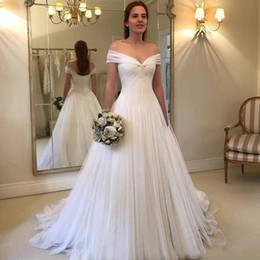 2017 beach wedding dresses 2019 Vintage White Off Shoulder Beach Wedding Dresses Court Train Backless Wedding Dress Bridal Gowns Custom Made Plus Size