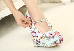 Discount floral print shoes for women - Hot Selling Wedges High Heels Fashion Flowers Print New Sandals For Women Shoes Platform Pumps T Belt Buckle