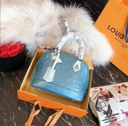 $enCountryForm.capitalKeyWord Canada - Classic Flap bag women's Plaid Chain bag Ladies badge Handbag Fashion designer purse Shoulder Messenger bags High quality purse wallets B012