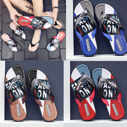 $enCountryForm.capitalKeyWord Australia - top quality Leisure Rubber Slide designers Sandal Slippers blue Red black Stripe Design Men Classic men Summer Outdoor beach Flip Flops