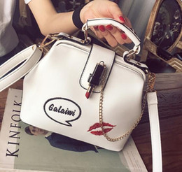 $enCountryForm.capitalKeyWord Australia - 2019 Women handbag Fashion embroidery Lipstick chain designer luxury handbags purses Casual Shoulder Messenger Bag cross body bag