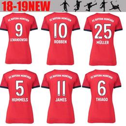 Bayern Munich Women 9 LEWANDOWSKI Jersey 2018 2019 Bundesliga Lady ROBBEN  JAMES MULLER HUMMELS Woman Football Shirt Kits Home Red Green 07d69cd0a