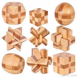 venda por atacado 2019 Novo Design QI Brain Teaser Kong Ming bloqueio 3D Toy Jogo Quebra-cabeças de madeira de bloqueio Burr para adultos dos miúdos