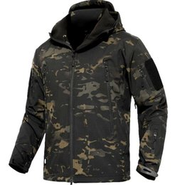 shark shell jacket NZ - CAMOUFLAGE JACKET MEN 2019 Army Military Style Tactical Soft Shell Warm Fleece Waterproof Coat Male CAMO Shark Skin Outdoors MX191109