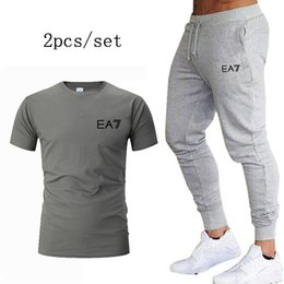 running stretch tight Australia - Jogging Fitness training Sports Suits Men's Running Sets autumn New Quick-drying Breathable T-shirt Tight Stretch Sweatpants